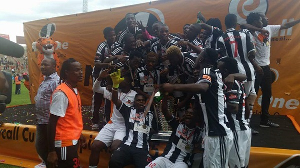 Highlanders celebrate Netone Cup