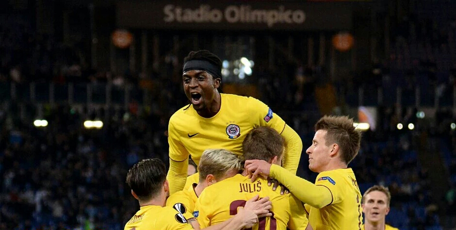 Nhamoinesu's Sparta Prague through to Europa group stage