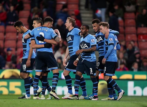 EPL: Spurs beat Stoke to close in on Leicester
