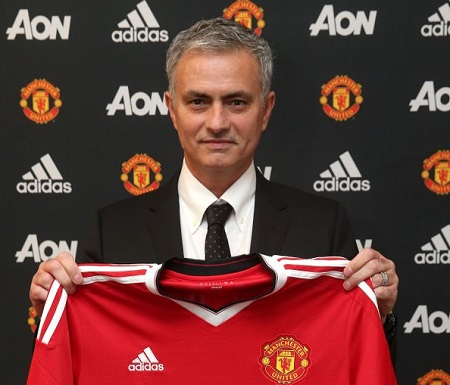 Official: Mourinho joins Manchester United