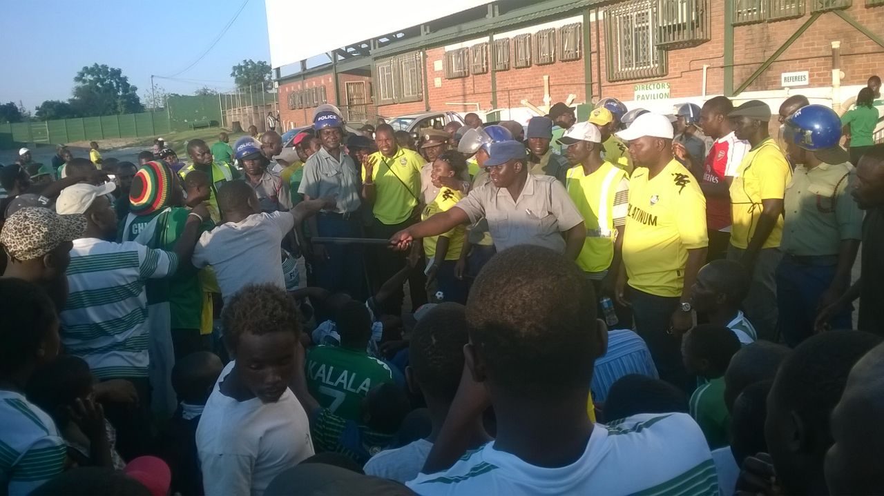 mapeza-with-angry-fc-platinum-fans