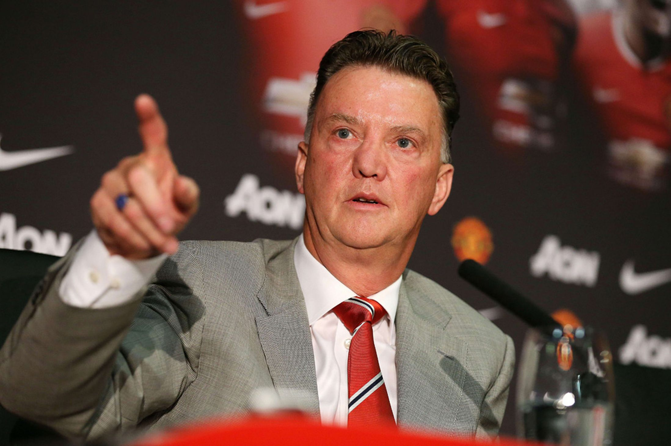 Manchester United players must be more 'horny', says Louis van Gaal