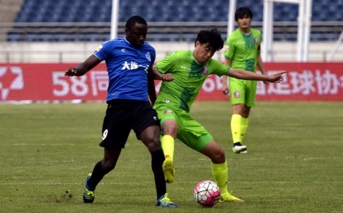 Mushekwi on target as Dalian Yifang goes atop
