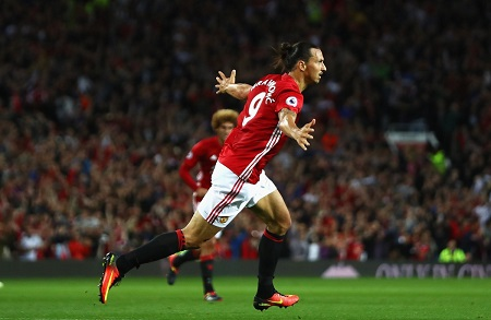 Manchester United edge Zorya , Sparta Prague beat Inter Milan