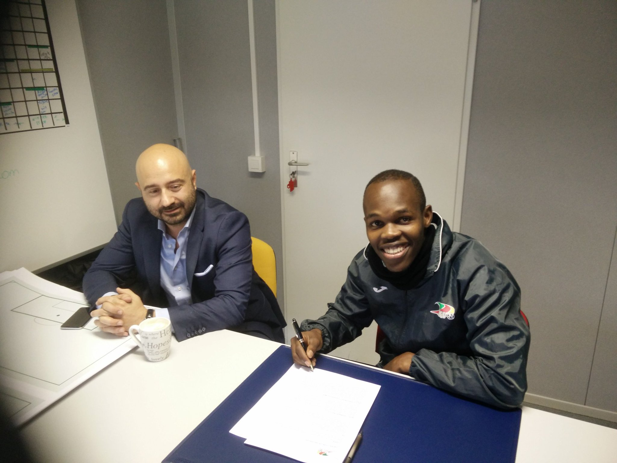 Knowledge Musona extends his contract with KV Oostende to 2020