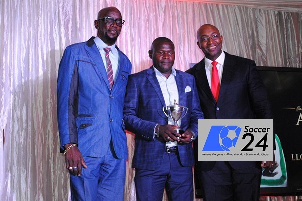 Lloyd Chitembwe wins coach of the Year award
