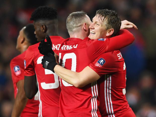 Schweinsteiger Set To Stay At United