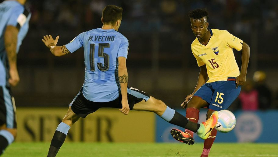 Ecuadorian Midfielder Claims Tottenham & Championship Strugglers Are Interested in his Services