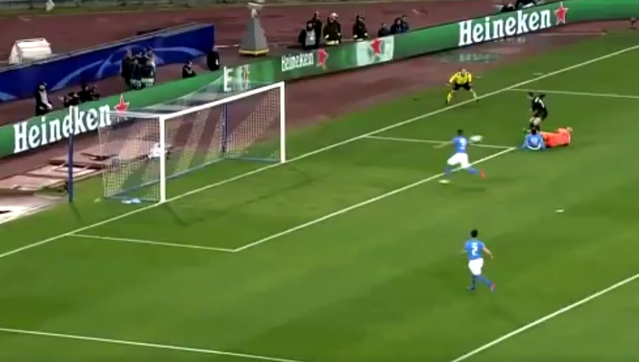 VIDEO: Human After All! Real Madrid Forward Cristiano Ronaldo Misses Open Goal Against Napoli