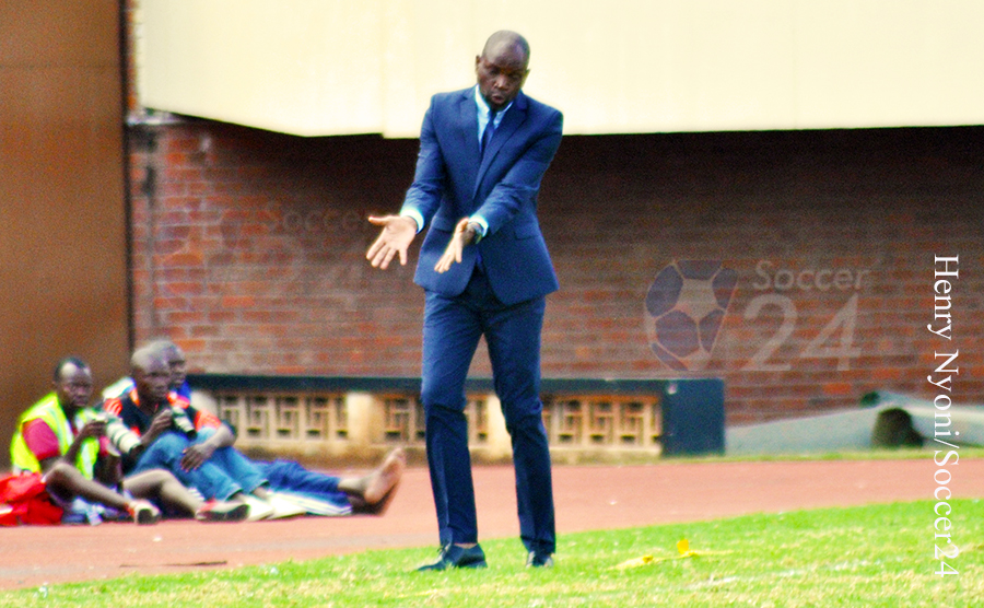 Dynamos rallies behind coach Mutasa for title
