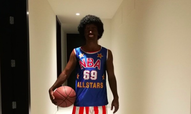 French Soccer Star Antoine Griezmann Apologizes for Full Blackface Costume