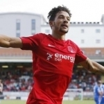 Bonne signs new contract with Leyton Orient