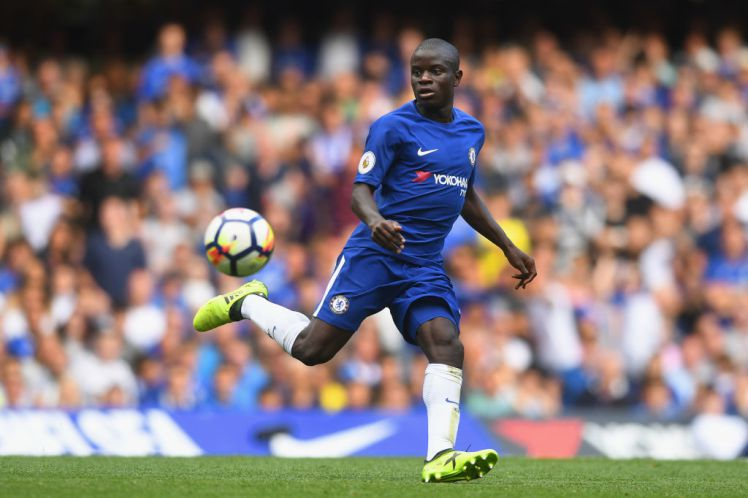 Kante signs new contract with Chelsea