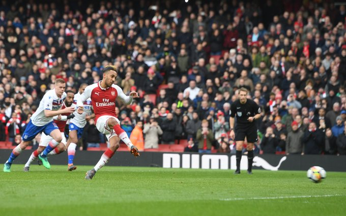 Aubameyang scores twice as Arsenal see off Stoke