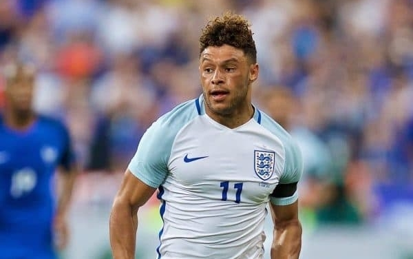 Oxlade-Chamberlain midfielder out of World Cup