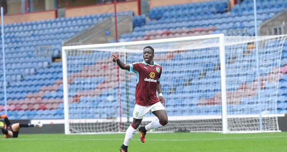 UK-born Chakwana signs professional contract with Burnley