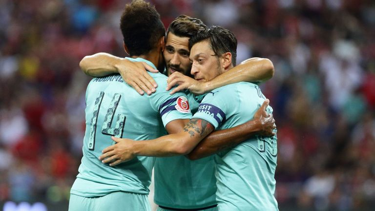 Arsenal hit five past PSG