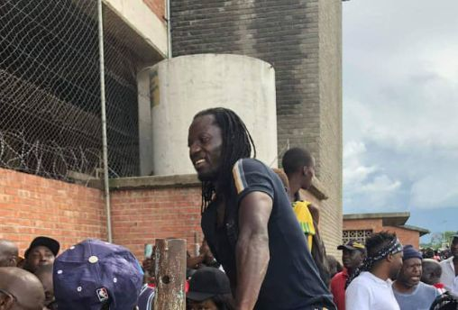 "Video: ""Angry"" Benjani Mwaruwari slams poor service at BF during FC Platinum, Pirates encounter"