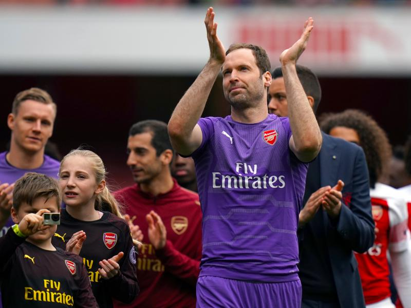 Arsenal trio bids farewell