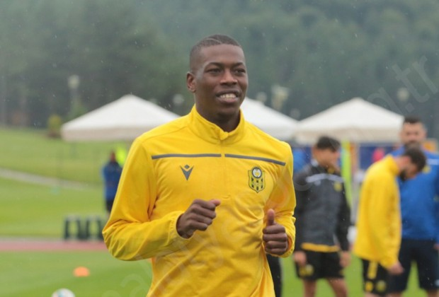 Hadebe's closest pals in Yeni Malatyaspor squad revealed