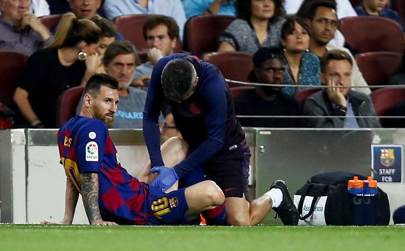 Messi injured in Barcelona victory over Villareal