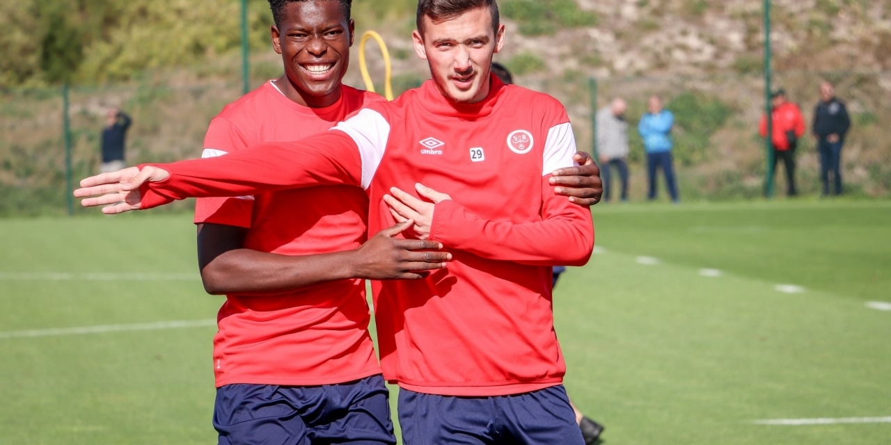 Munetsi's Reims in stern PSG test