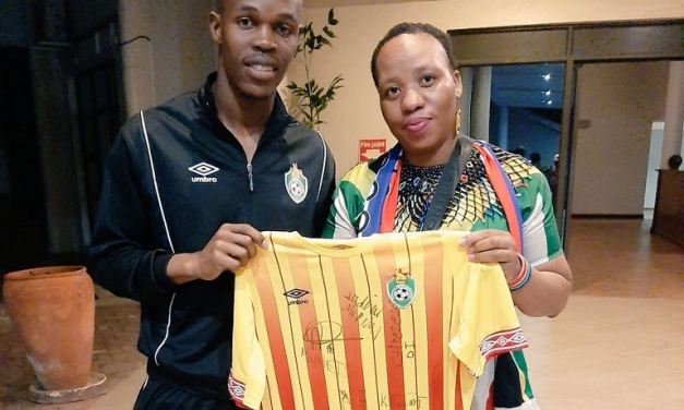 Lady D Iron returns to S.A after enjoying 'great Zim atmosphere'