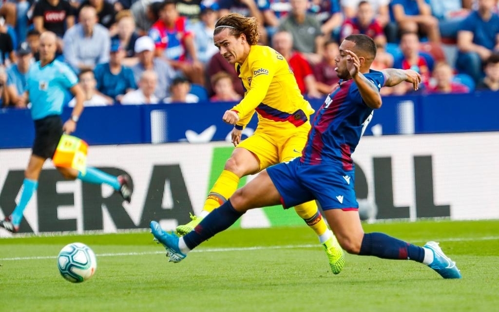 Barcelona torn apart by Levante