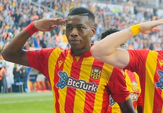 Hadebe voted in Turkish Super Lig team-of-the-week