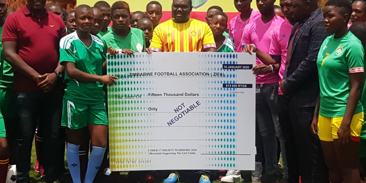 Benza donates money to Young Mighty Warriors