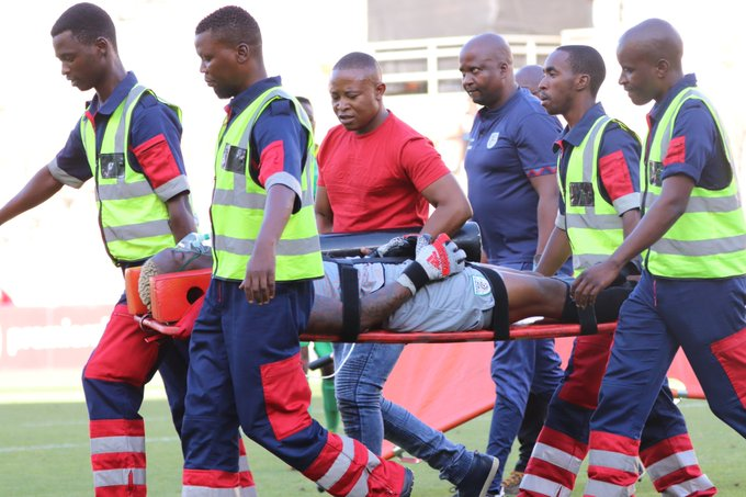 Elvis Chipezeze suffers horrific injury - soccer24.co.zw