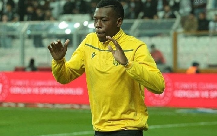 Video: Hadebe sees straight red for shocking challenge