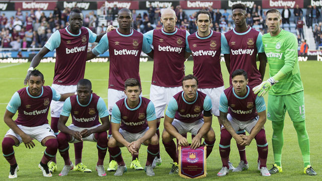 Eight West Ham players show coronavirus symptoms