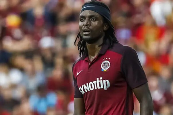 Costa Nhamoinesu misses Sparta Prague's historic win