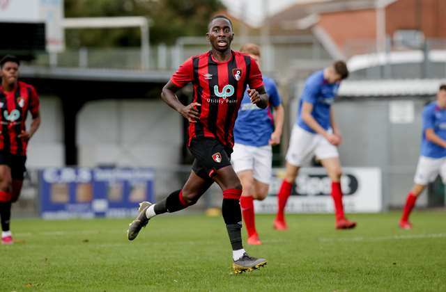 Zimbabwean defender Zemura extends stay at Bournemouth