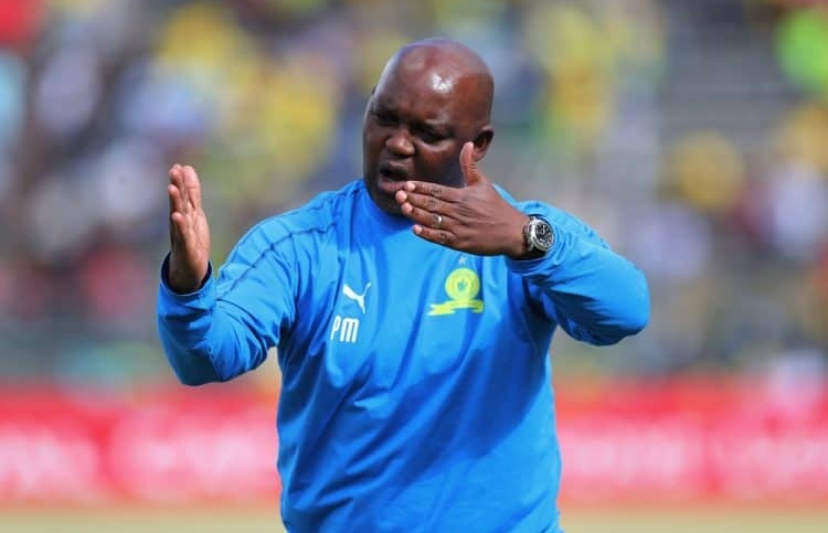 Mosimane takes a swipe at Chiefs' Middendorp