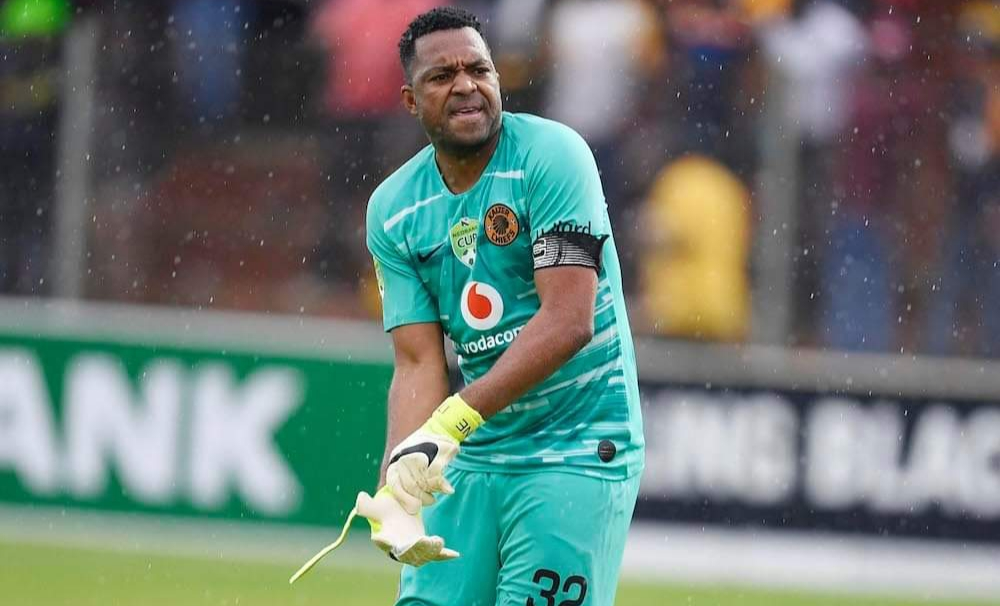 Angry Kaizer Chiefs fans swamp on Itumeleng Khune