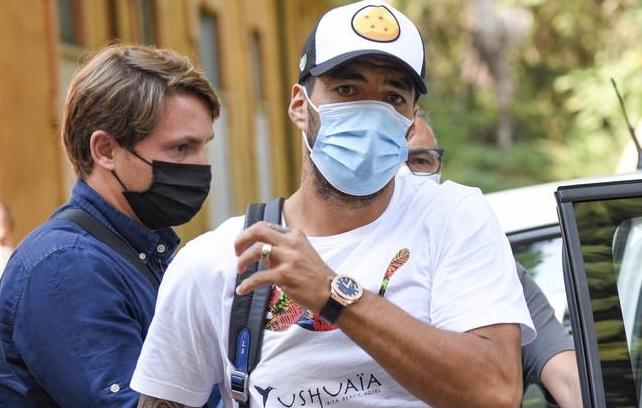 Barcelona confirm Luis Suarez exit
