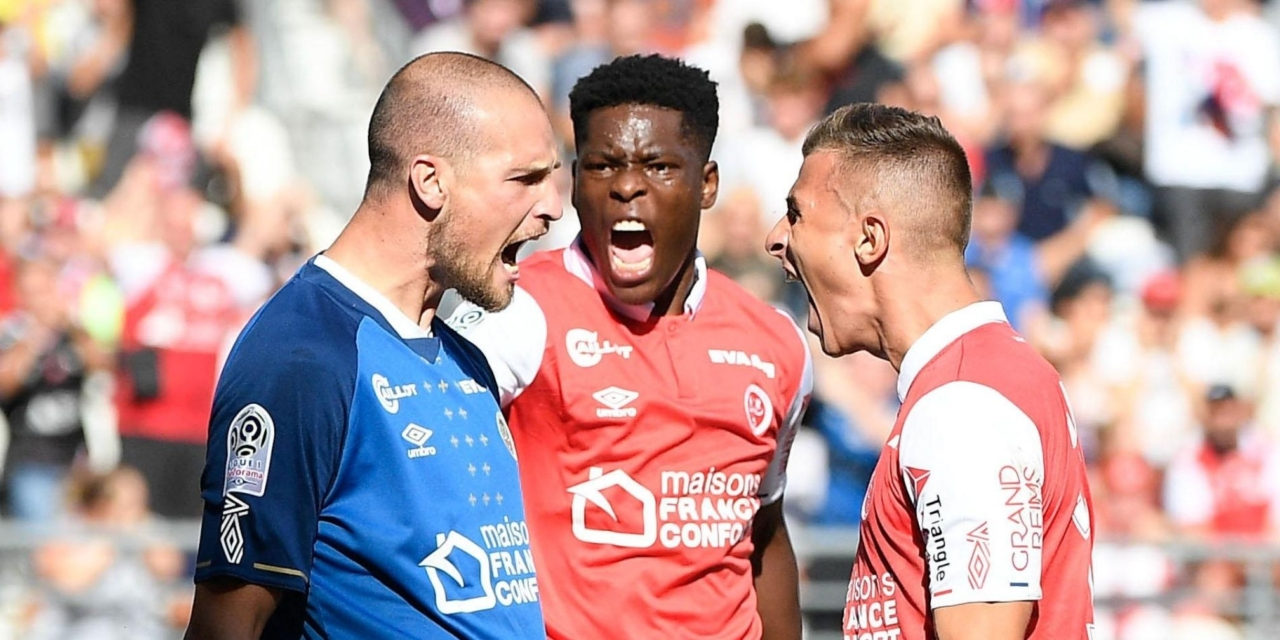Munetsi sees straight red card in France