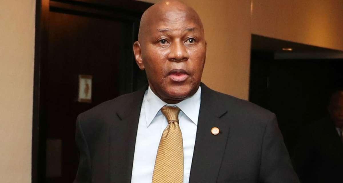 Chiefs boss reveals reason behind Middendorp sacking