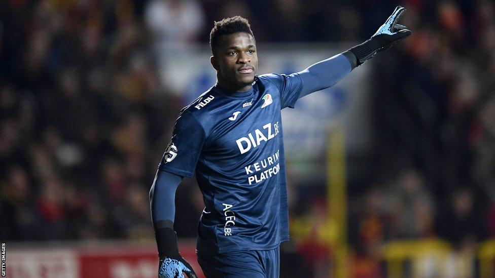 Cameroon goalkeeper sacked at Belgian club for partying during lockdown