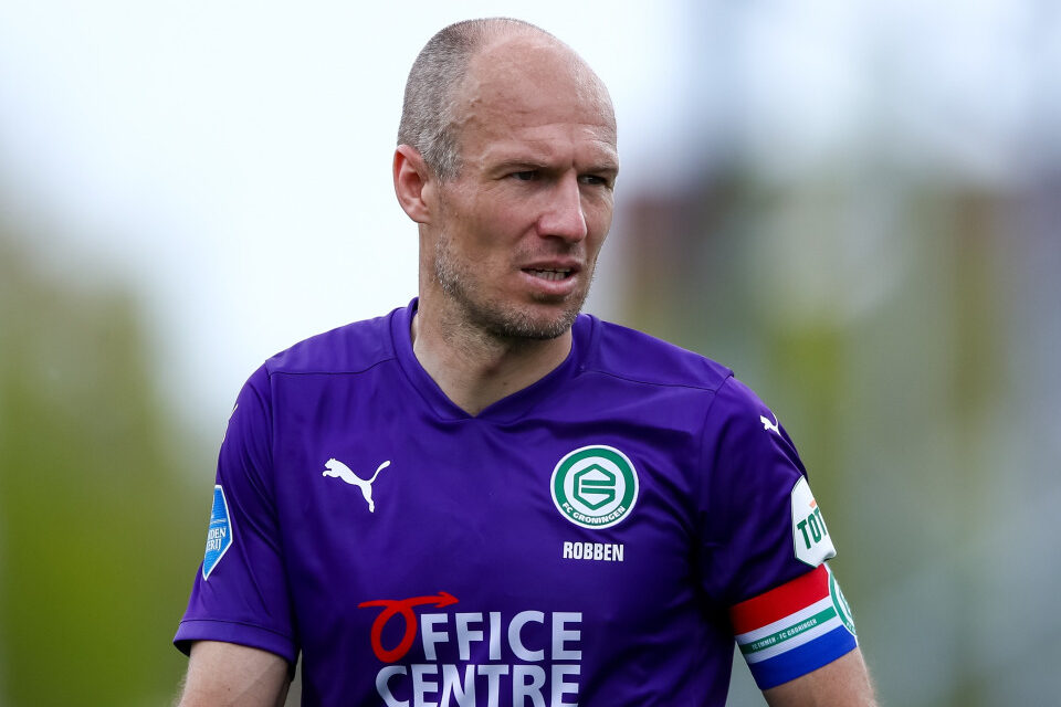 Arjen Robben retires from playing football