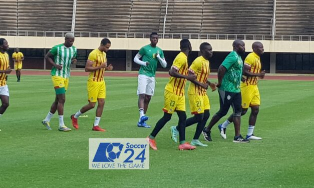 Mapeza to shuffle cards in defence